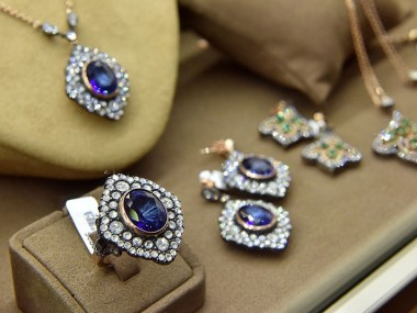 چرا نباید شرکت در نمایشگاه جواهرات هنگ کنگ رو از دست بدیم