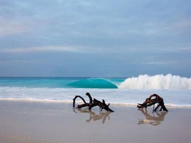 خرید تور اندونزی رسپینا24 و موج سواری در 10 ساحل به یادموندنی