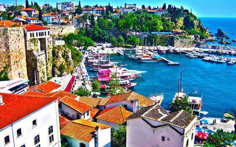 سفر به چهارمین شهر پرطرفدار اروپایی با خرید تور آنتالیا