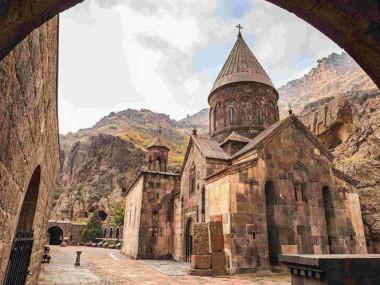 سفر به کشور کلیساها با خرید تور ارمنستان از رسپینا24