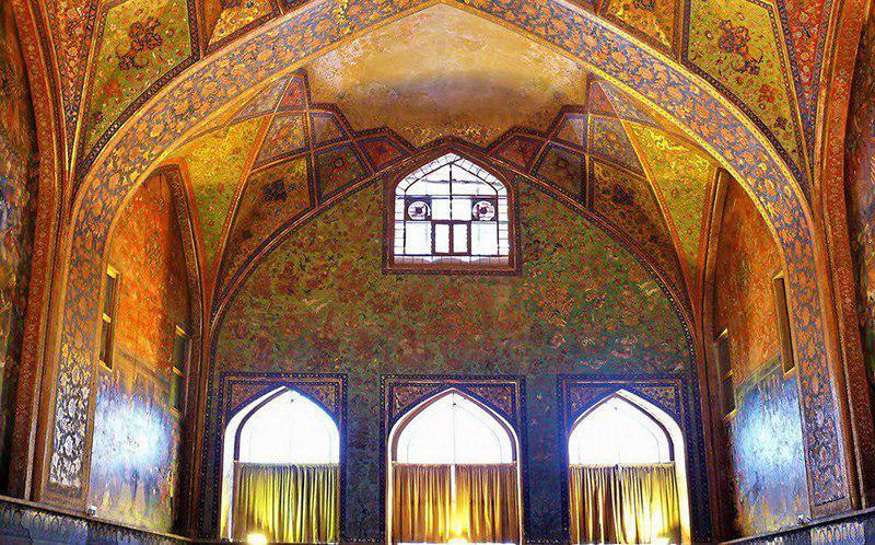 سفر به نصف جهان با خرید بلیط هواپیما مشهد به اصفهان رسپینا24