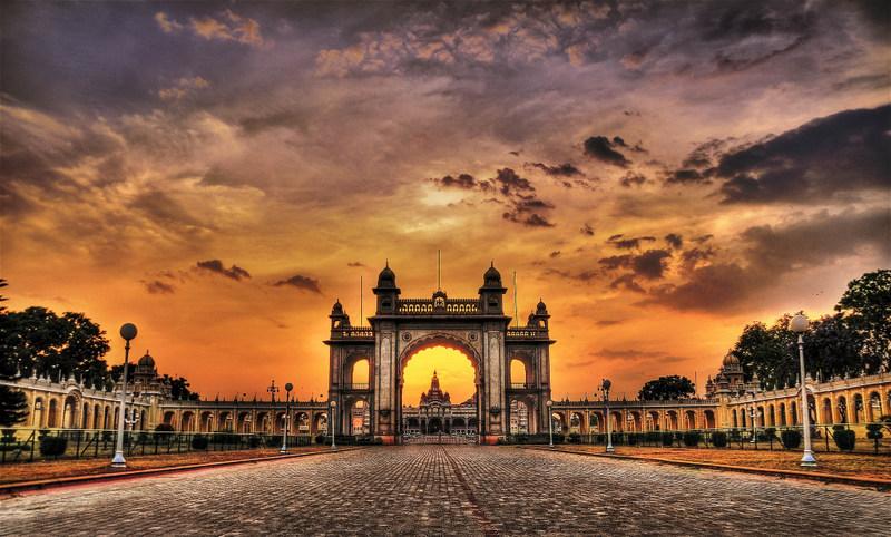 نگاهی به جاذبه های گردشگری با خرید بلیط هواپیما هند