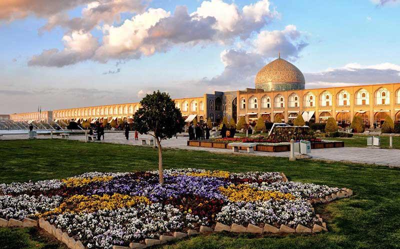 دیدنی های میدان نقش جهان رو با خرید تور اصفهان از دست ندین