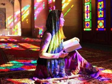 تلفیق نور و رنگ رو با خرید تور شیراز در مسجد نصیرالملک ببینین