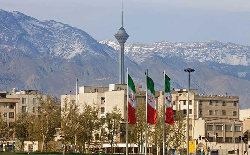 خرید آنلاین بلیط ارزان هواپیما به تهران و بازدید از جاذبه های این ابر شهر