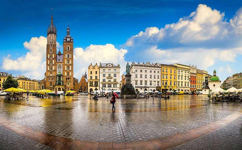خرید بلیط آنلاین و ارزان هواپیما برای دیدار از 9 تا از بهترین جاذبه های گردشگری لهستان