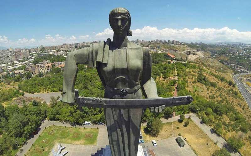 با خرید بلیط ارزان آنلاین از رسپینا24 آسان و ارزان و مطمئن جاذبه های ارمنستان را ببینید