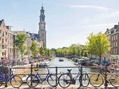 خرید آنلاین و ارزان اینترنتی بلیط آمستردام در رسپینا24 و لذت بردن از کروز در کانال های آمستردام