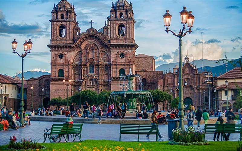 خرید ارزان آنلاین بلیط هواپیما در رسپینا24 و بازدید از جاذبه های پرو