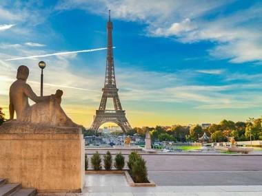 خرید آنلاین ارزان بلیط اینترنتی پاریس در رسپینا24 و بازدید از جاذبه های پاریس