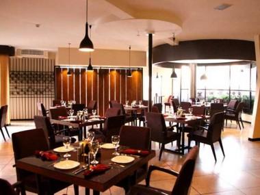 خرید آنلاین ارزان بلیط اینترنتی مشهد از رسپینا24 و آشنا شدن با رستورانهای این شهر زیبا
