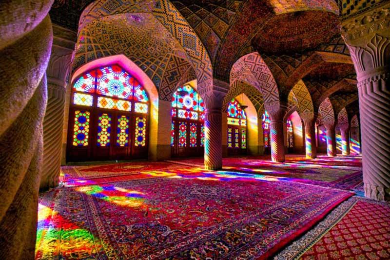 سفر به پایتخت فرهنگ و هنر ایران با خرید بلیط هواپیما شیراز