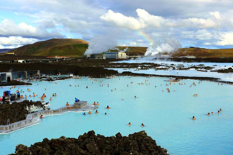 Blue Lagoon هدیه ی گرم طبیعت با خرید بلیط هواپیما ایسلند