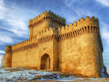 آشنایی با دیدنی های تاریخی با خرید آنلاین تور باکو رسپینا24