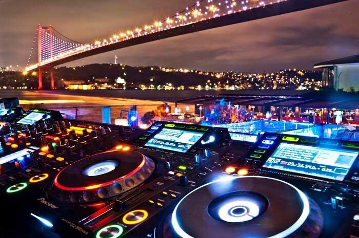 بهترین مکانها برای تماشای موسیقی زنده با خرید تور استانبول