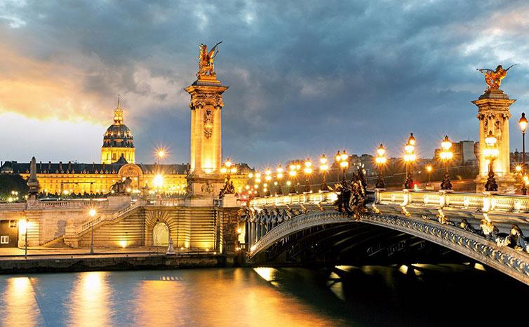 معرفی مکان هایی که با خرید بلیط هواپیما پاریس میشه دید