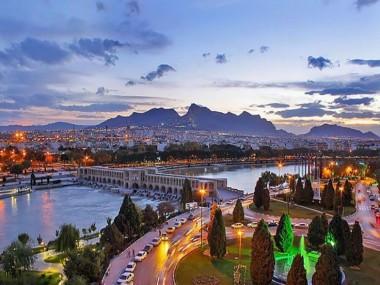آشنایی با بناهای تاریخی معروف با خرید آنلاین تور اصفهان