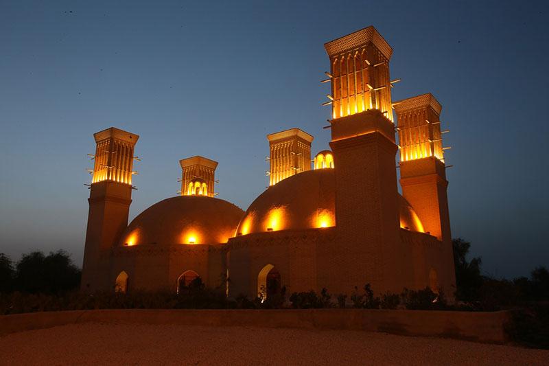 سفر به اولین شهر خشتی جهان با خرید بلیط هواپیما یزد