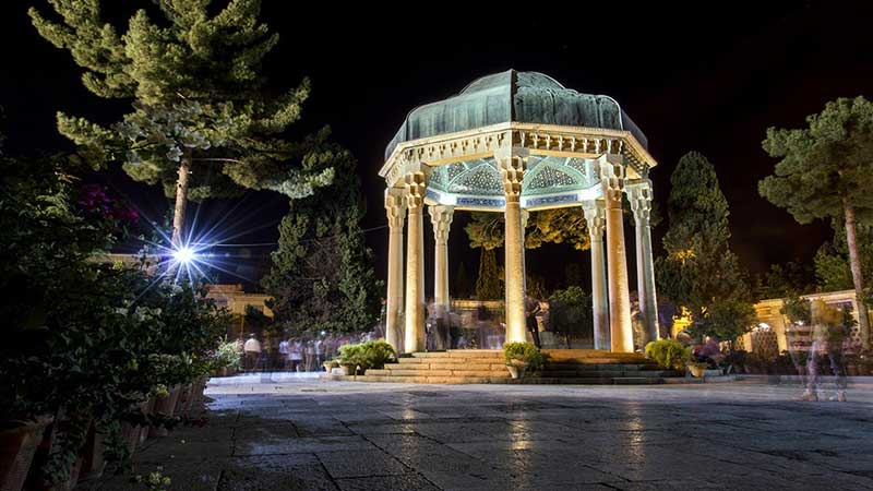 سفر به شهر کوچه باغ های حافظ و سعدی با خرید تور شیراز