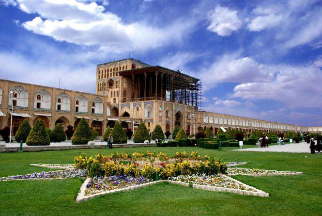 جاذبه هایی که باعث شده اند خرید تور اصفهان پرطرفدار باشد