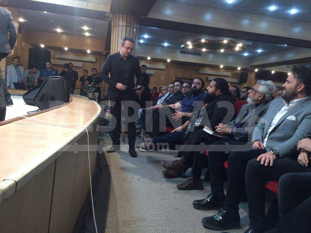 نخستین همایش مشکی پوشان؛ دیدار صمیمانه رضا صادقی و هوادارانش