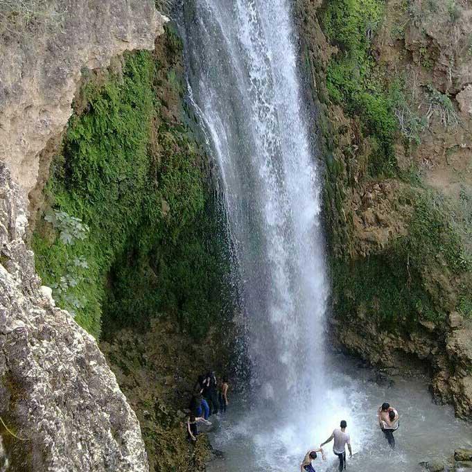 تور یک روزه طبیعت گردی آبشار آبگرم کلات از مشهد با رسپینا24