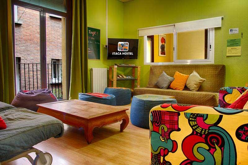 آشنایی با مزیت های اقامت در هاستل نسبت به رزرو هتل های گرون قیمت
