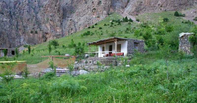 تور یک روزه ی طبیعت گردی آبشار ارتکند از مشهد با رسپینا24