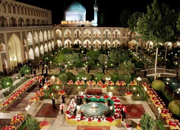 معرفی بهترین ها برای رزرو آنلاین هتل های 5 ستاره اصفهان