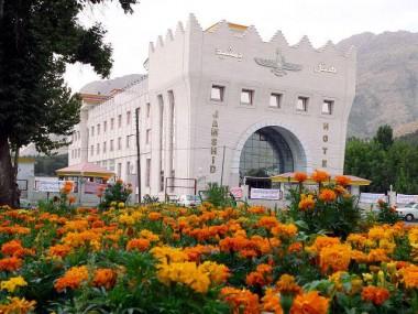 بهترین گزینه ها برای رزرو آنلاین هتل در کرمانشاه رو بشناسین