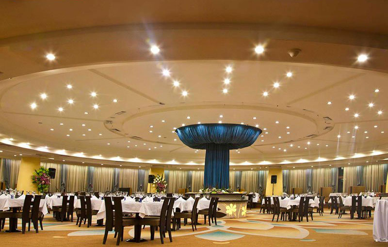 رزرو هتل های 5 ستاره ی شیراز شهر یادواره های حافظ و سعدی
