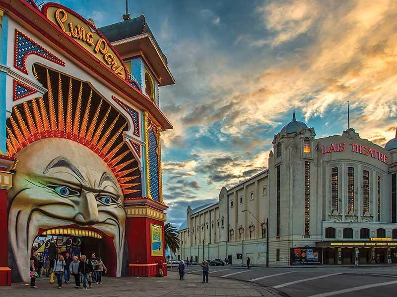 بناهای زیبای ویکتوریایی رو با خرید بلیط هواپیما ملبورن ببینین