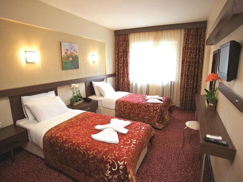 آشنایی با امکانات و رزرو هتل 3 ستاره ی مارینم Marinem استانبول