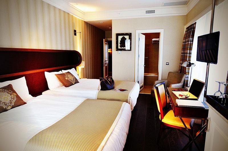 معرفی امکانات و رزرو آنلاین هتل 5 ستاره ی تایتانیک بیزینس استانبول
