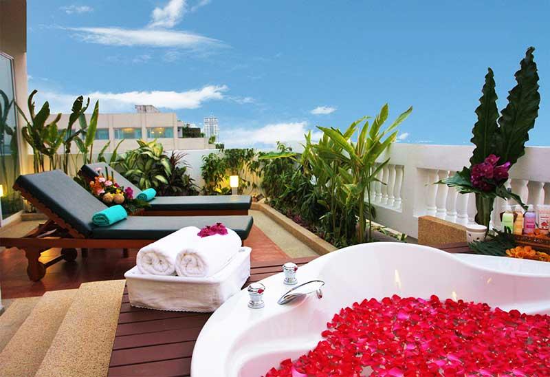 رزرو هتل 5 ستاره ی رامادا پلازا Ramada Plaza بانکوک