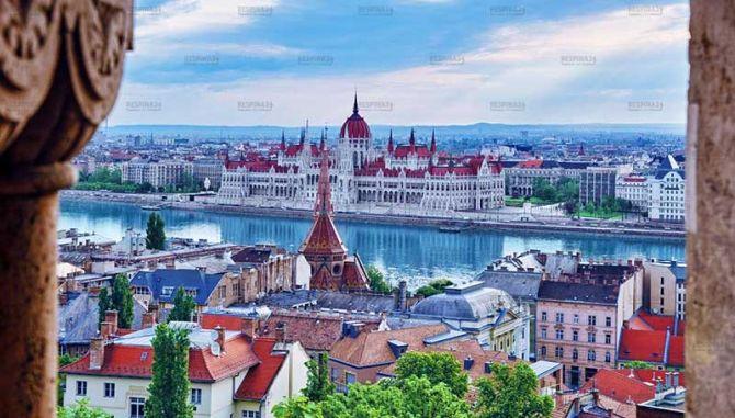 بلیط هواپیما مشهد به بوداپست - رسپینا 24